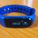 【運動と睡眠がはかどる】( ˘ω˘) LETSCOMの活動量計 ID101HRをレビュー