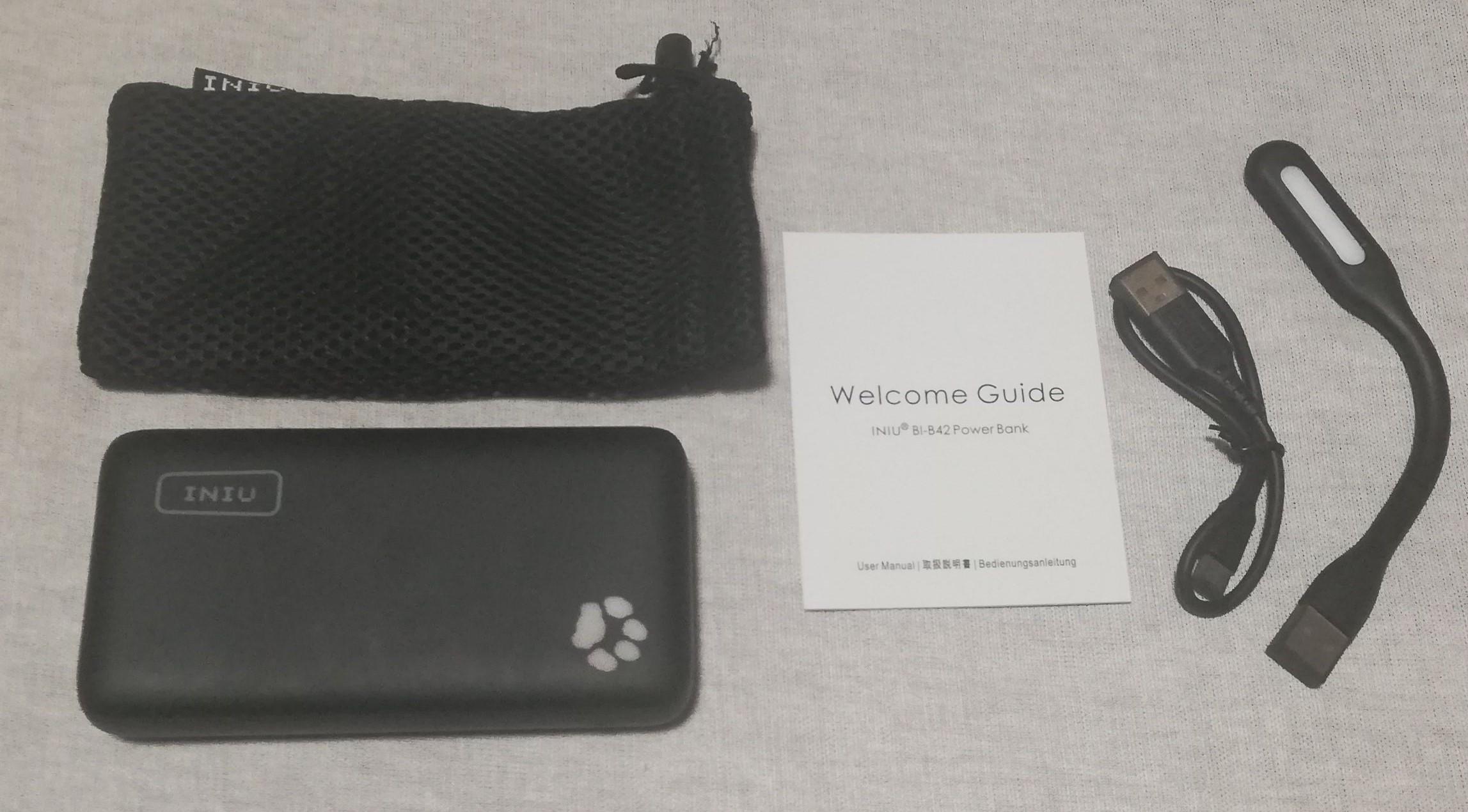 INIUのモバイルバッテリー(20000mAh)付属